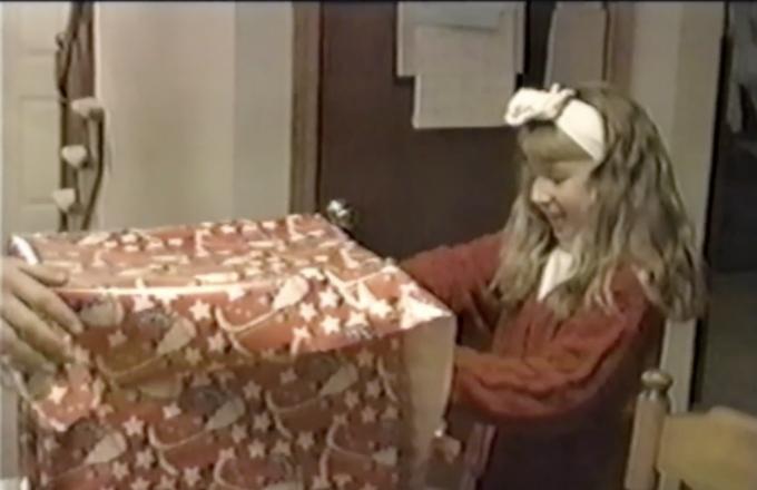 超絶可愛いプレゼントに大喜びな女の子にホッコリ